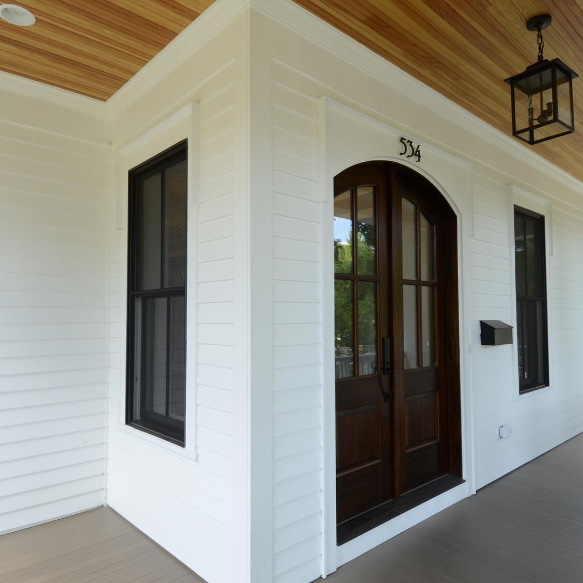 4705 MIddaugh - Porch